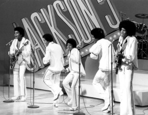 Jackson 5 TV special 1972 by CBS Television Licensed under Public Domain via Wikimedia Commons - https://commons.wikimedia.org/wiki/File:Jackson_5_tv_special_1972.JPG#/media/File:Jackson_5_tv_special_1972.JPG